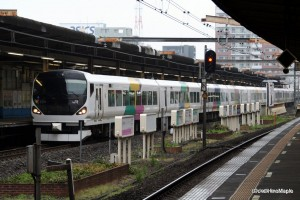 Express Train on the Sobu Line (Kinshicho Station)