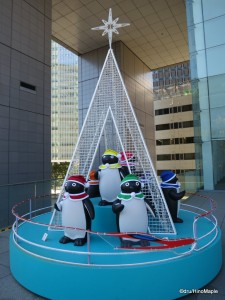 2012 JR East Suica Penguin Christmas Display (Shinkansen Theme)