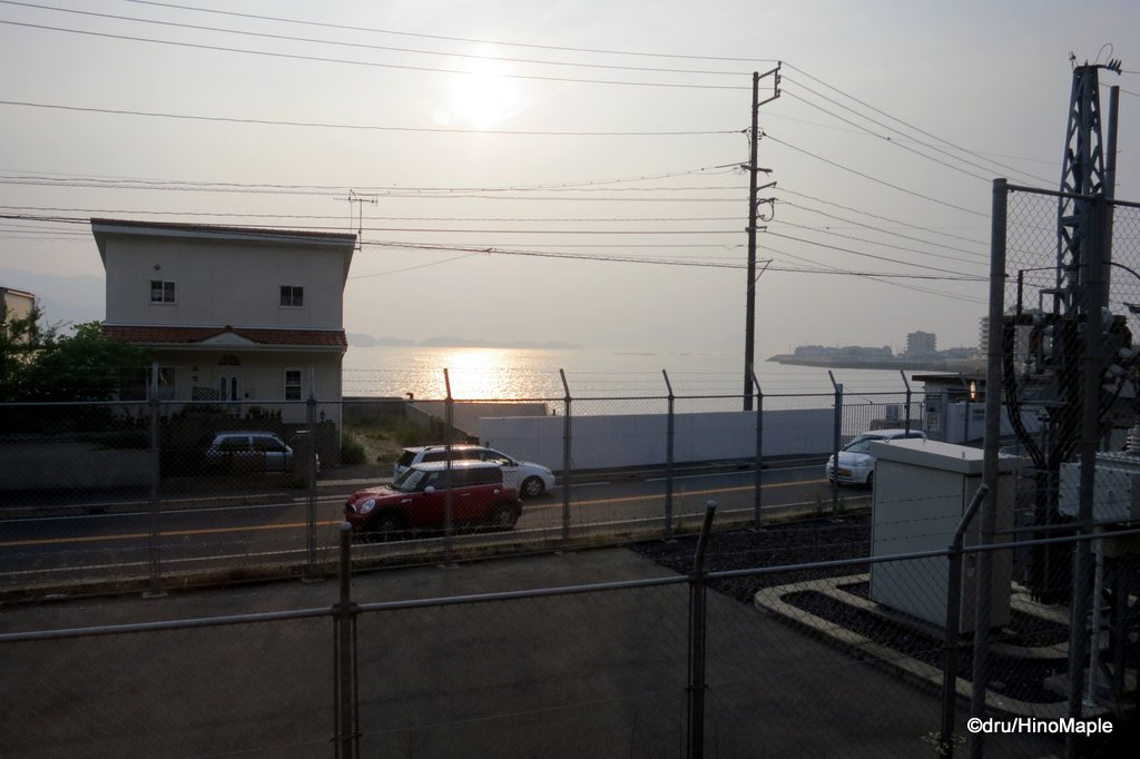 View from the Kure Line (View of the Seto Inland Sea)