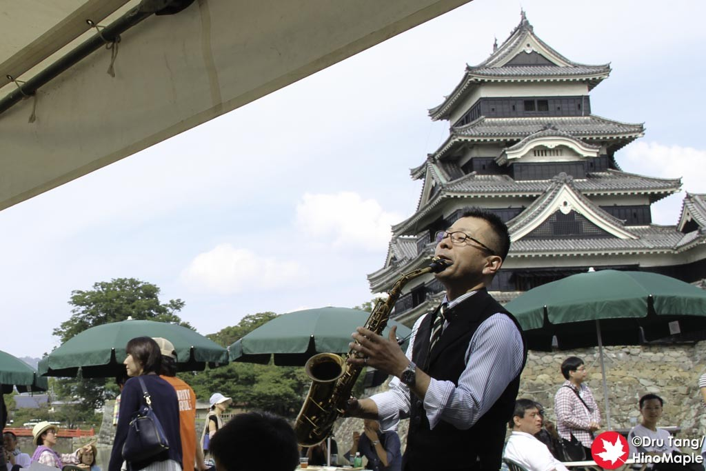 Jazz Player on the West Side of the 2015 Craft Beer Festival in Matsumoto