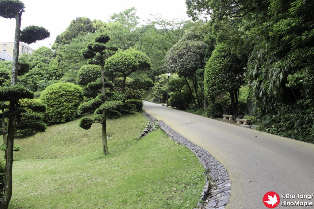 Driveway to Bansuiso
